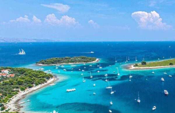 Boat tour Blue Lagoon Trogir Daluma